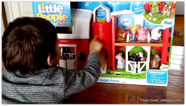 Playing With A Classic: Little People Animal Friends Farm