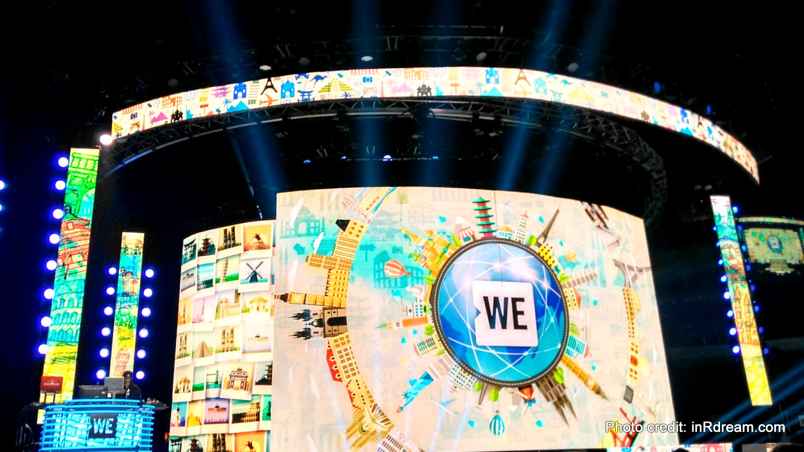 Five Reasons Why WE Love WE Day Family #WeAreAWeFamily