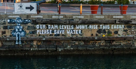 gambar poster cara menghemat air