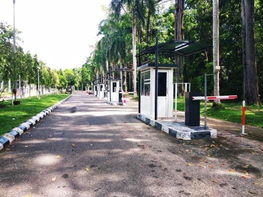 Pos Pengambilan Tiket Parkir Jurusan Akuntansi Unja