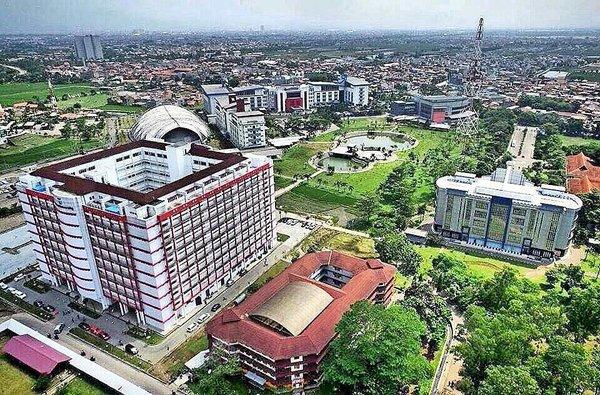 Kondisi lingkungan sekitar kampus telkom university