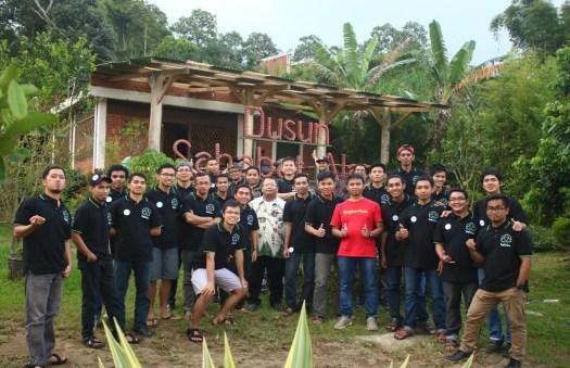 Pembinaan Pengurus BEM-BPM STFT Widya Sasana Malang di Dusun Sahabat Anak, Batu