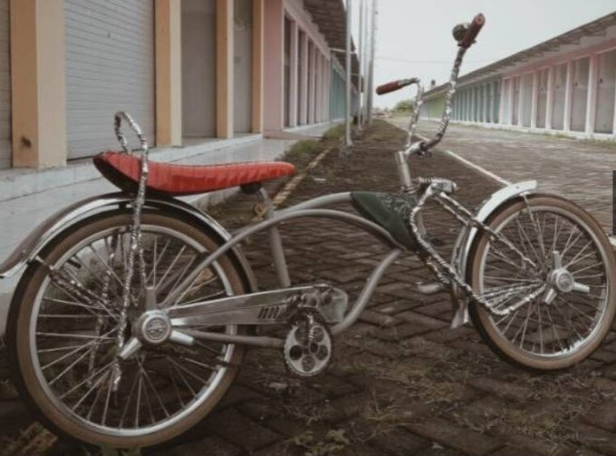 Sepeda Lowrider DTWIST