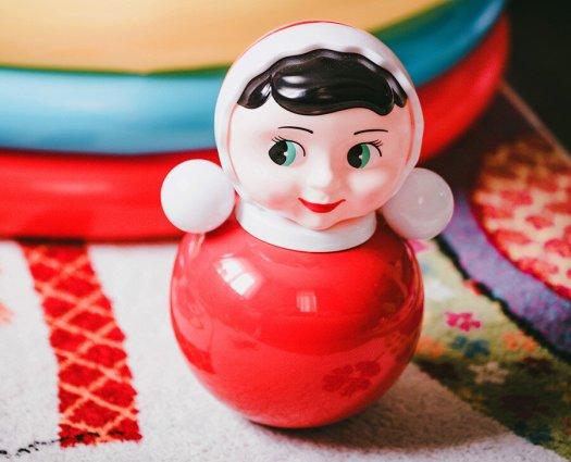 Mainan boneka Rusia Nevalyashka