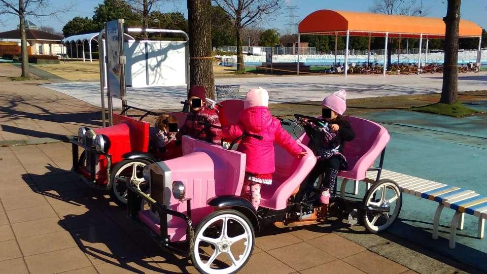 Water play and pedal cars at Hanasaki Water Park   KAZO