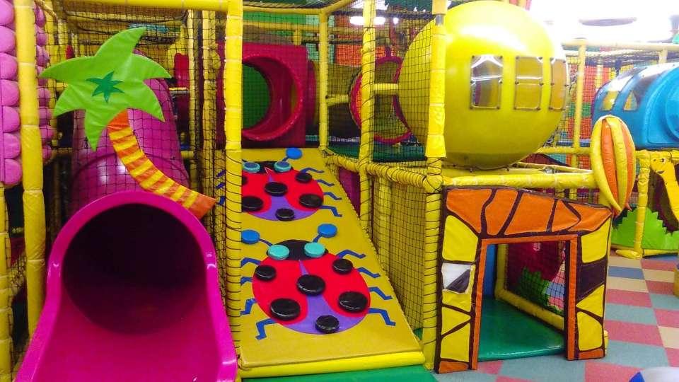 Cats Eye Play and Sports Centre   SAYAMA