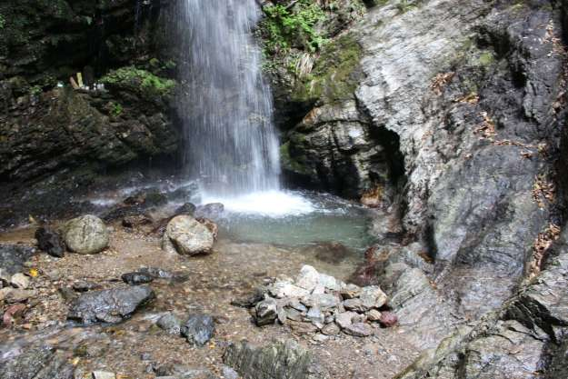 takigyo three waterfalls of Kuroyama