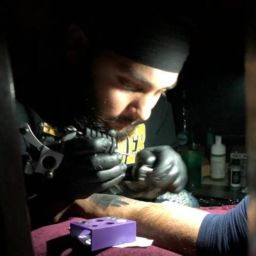 insane tattoos - best tattoo studio parlour in mumbai mulund juhu india ABOUT US dsds 256x256