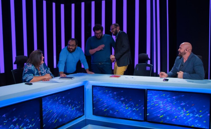 """Behind the scenes shot featuring """"El Pitch""""'s Investors and Producers. Left to Right: Mouna Ben Halima, Walid Naffati, Marwen Dhemaied, Aymen Mbarek and Bassem Bouguerra."""