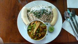 Curry korma vegetariano (Baños, Ecuador)