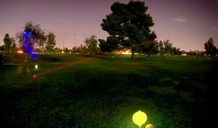 Golfen beI Nacht in Phoenix. - Foto: Arizina Office of Tourism Germany