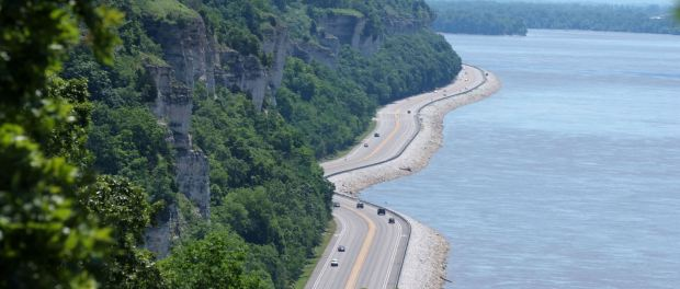 Great River Road in Illinois. - Foto: Meeting of the Great Rivers National Scenic Byway