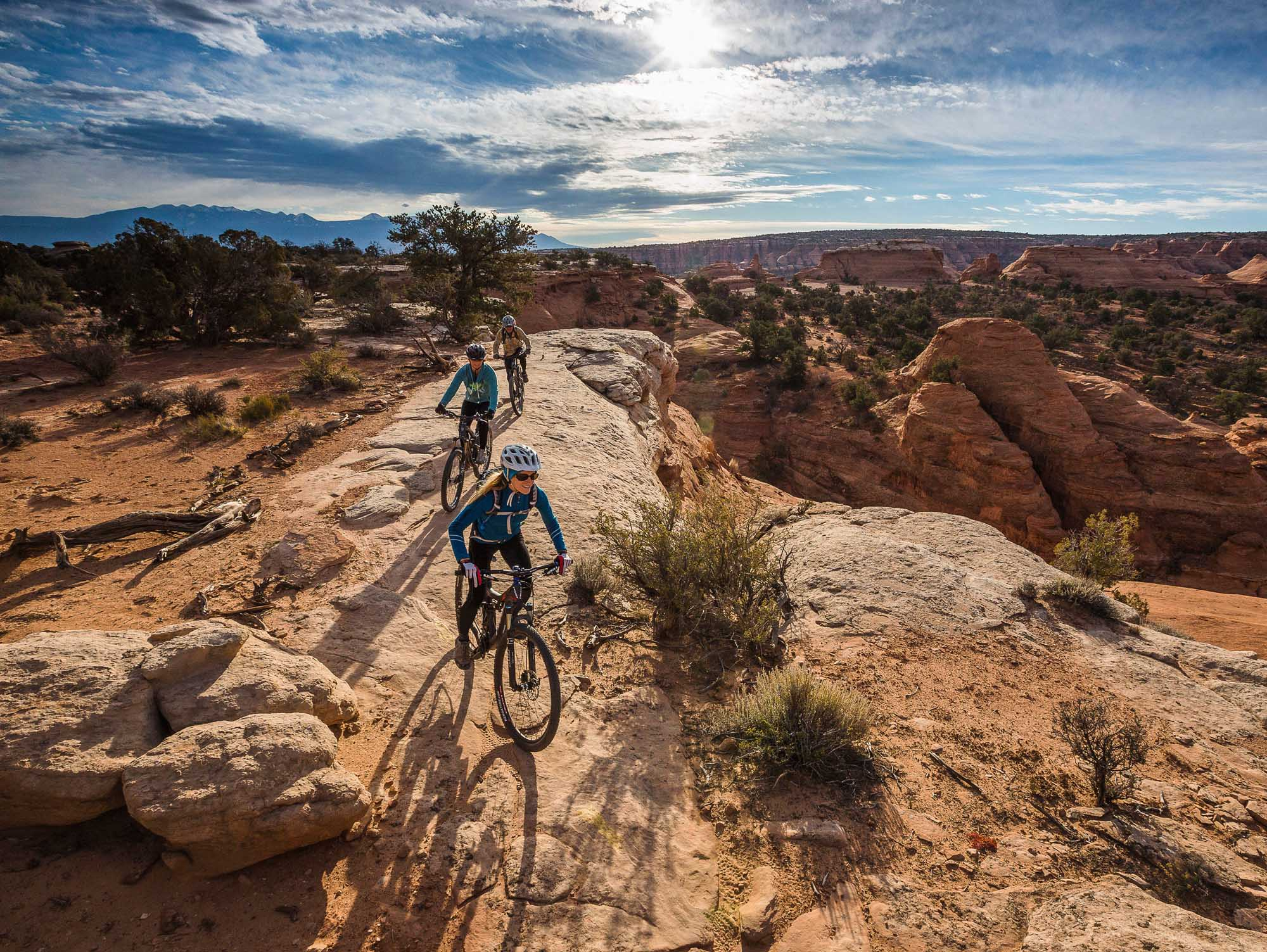 Mountainbiking auf dem Magnificent Seven Trail in Moab. – Foto: Rim Tours