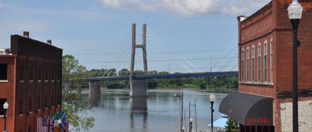 MIssissippi-Brücke in Quincy. - Foto: Great River Road in Illinois
