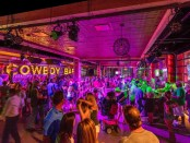 Saloonfeeling in der Cowboy Bar. - Foto: Loews Hotel & Co.