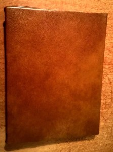 Dungeons and Dragons leather cover book manuel player D&D 5th edition
