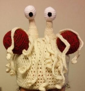 crochet bonnet monstre en spaghetti volant