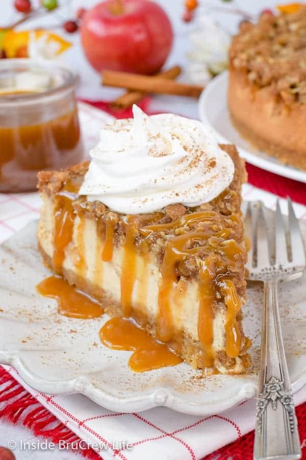 Apple Crispy Cheesecake