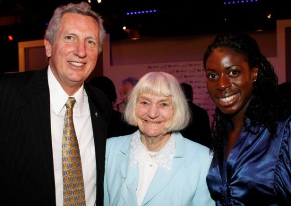 Dorothy Tyler at the 2008 sports awards event where she claimed all Fosbury Floppers, including Dick Fosbury, right, were cheats. With them is Britain's 2008 Olympic 400m gold medal-winner, Christine Ohuruogu