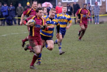 Running rugby: Wes baron on his way to the tryline for Streatham-Croydon at Chipstead Meads last Saturday