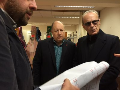 An ageing rocker reviews the plans for Fairfield Halls favourably. And Francis Rossi, of Status Quo, looks on approvingly. Council leader Tony Newman has become very fond of easy photo-ops