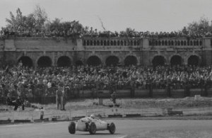Crowds used to pack the terraces at Crystal Palace, as seen here for a 1959 race