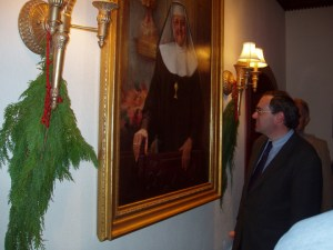 EWTN President & CEO Michael P. Warsaw at the 2001 unveiling of Mother Angelica's official portrait, which was painted by Presidential Portrait Artist John Howard Sanden.