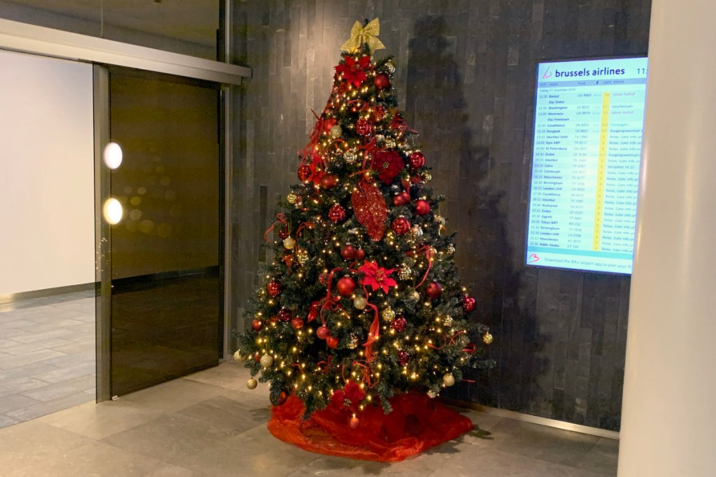 A christmas tree by the entrance