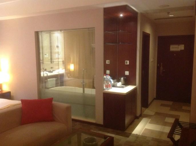 Mercure Beijing Downtown, Suite, Accor, Glaswand
