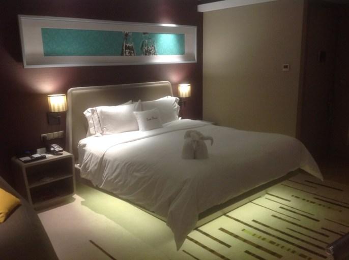 Kingsizebed, Hilton, Jakarta, lichtdecoratie