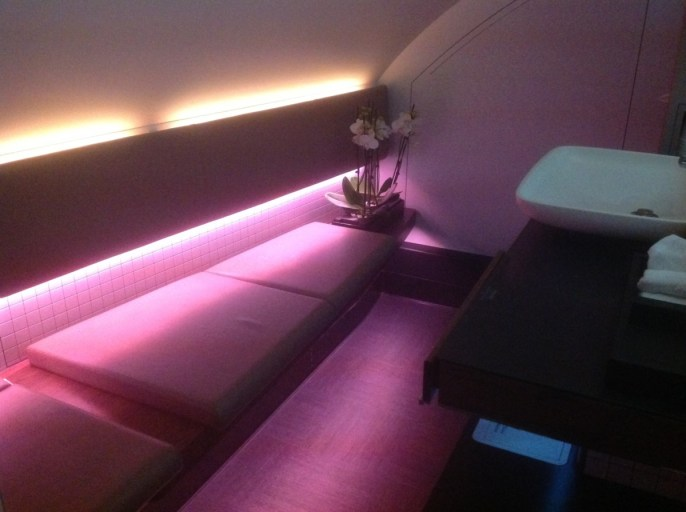 qatar airways, frist class a380, toilet