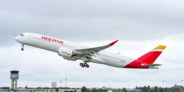 De nieuwe Airbus A350 van Iberia stijgt op