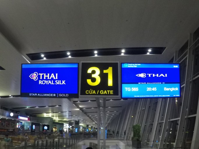 gate, hanoi, thai airways