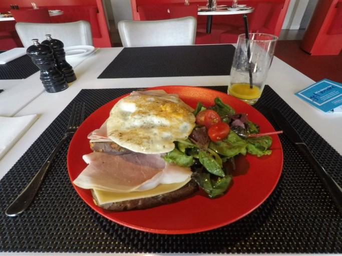 hilton, garden inn, leiden, lunch