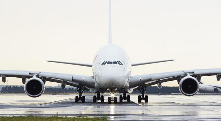 Air France Airbus A380 op de landingsbaan