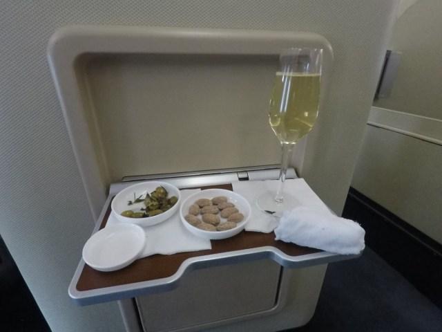 veuve, champagne, Qantas, first class
