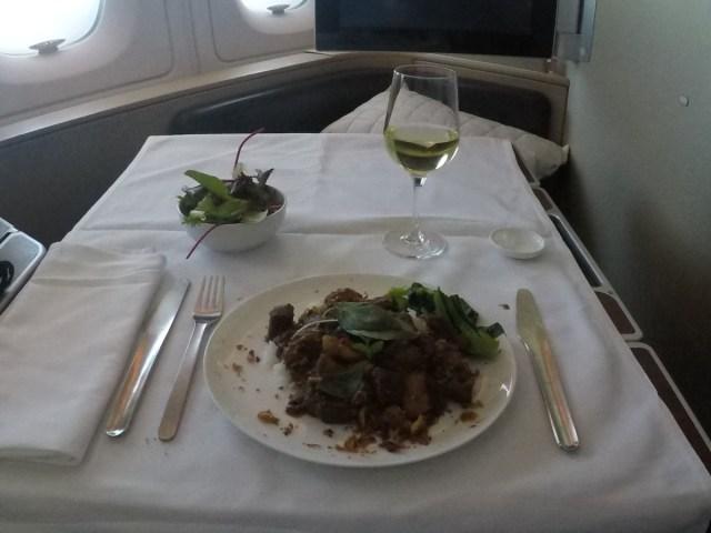 Qantas, a380, first class, hoofdgerecht