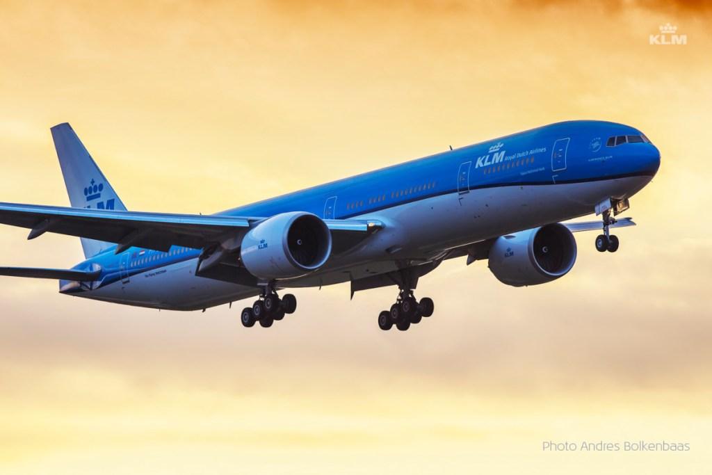 KLM B777 Hong Kong