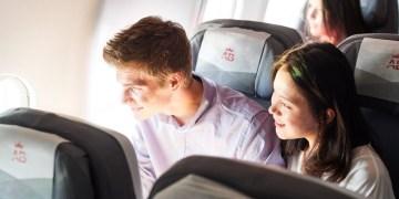 Economy Class cabine aan boord van de Airbus A340 van Air Belgium (Bron: Air Belgium)
