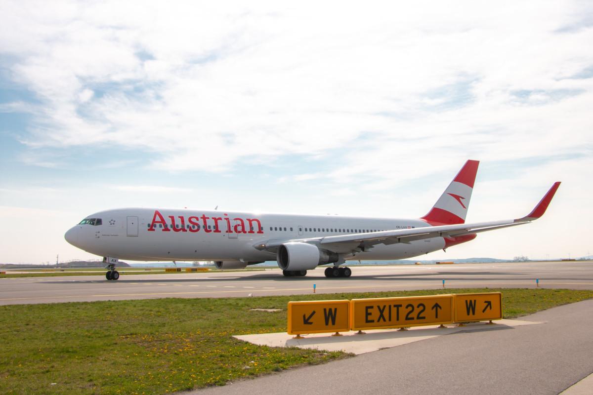 Boeing 767-300ER (OE-LAX) op de luchthaven (Bron: Austrian Airlines)