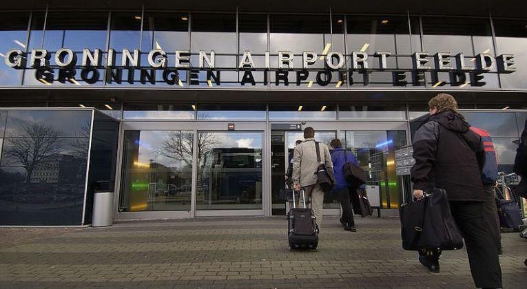Ingang van de luchthaven van Groningen (Bron: Groningen Airport)