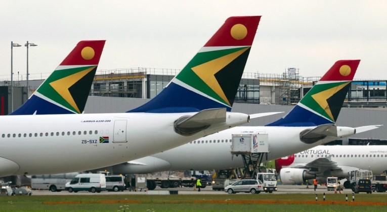 South African Airways Airbus A330-243 op de luchthaven van Londen Heathrow (Bron: Wikimedia Commons / Alex Beltyukov - RuSpotters Team)