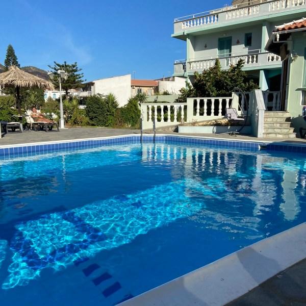 Zwembad Kokkari Beach Hotel