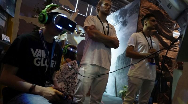Playstation VR am Robinson Stand, gamescom 2016