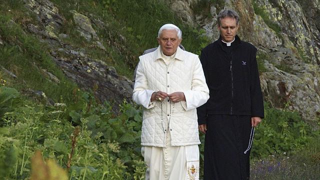 CHE: Pope Benedict XVI?s Vacation Visit To Switerland