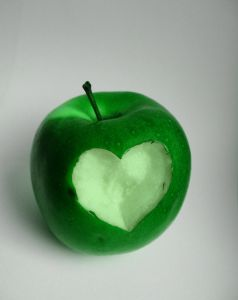 1108667_apple_heart_3