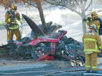 1201_news_Car_Crash_dw_01_copy