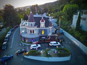 The Beautiful Magic Castle