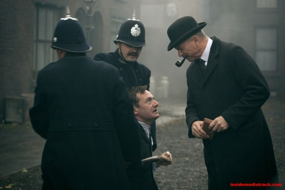 4119787-high-peaky-blinders2