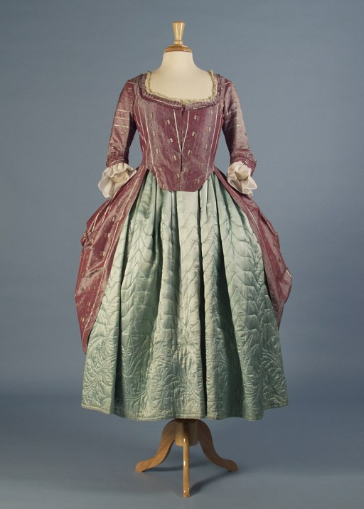 1770s robe à l'anglaise and quilted petticoat
